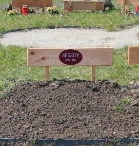 Begräbnis_Grab-nach-Beisetzung