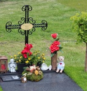 Grabgestaltung-Tierfriedhof-Wien_12